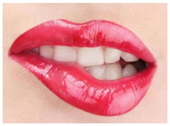 嘴唇干裂是什么原因,是不是癌症,看什么科?