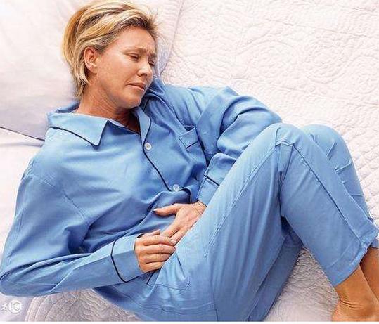 先兆流产的症状,和月经有什么区别,几天自然流掉?