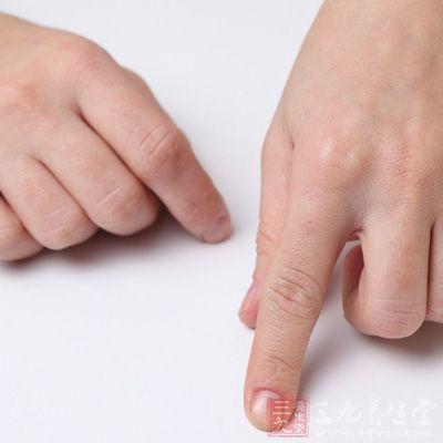 皮肤的颜色是与皮肤的营养状态、皮下组织、血管等情况密切相关