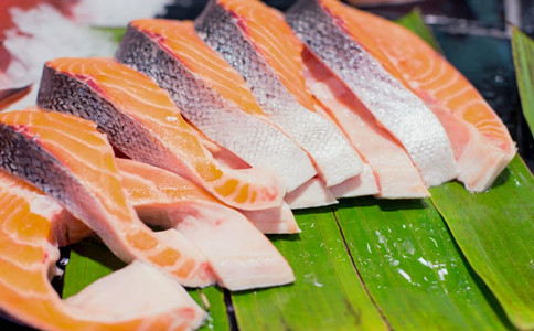 老年人吃什么鱼最好 老年人饮食注意事项 适合老年人吃的鱼类