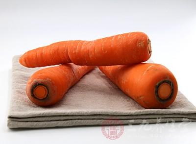 代表食物:胡萝卜、山芋、青菜、大白菜、藕、菜花、大葱、土豆等根茎类蔬菜中含有大量的矿物质