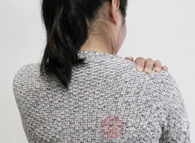 有七成人的后背疼痛终被确诊为腰椎疾病,有部分人甚至由于劳损过度导致残疾
