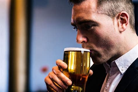 喝啤酒拉肚子怎么回事?哪些人不可以喝啤酒?