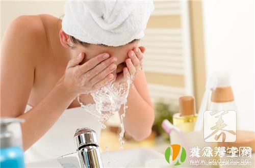 用矿泉水洗脸有什么好处