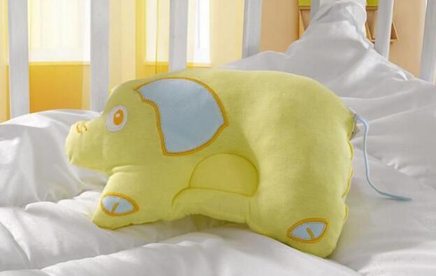 婴儿枕头高度多少合适?尺寸长宽是多少?填充什么好?