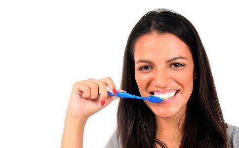 口臭怎么去除 口臭怎么去除小窍门 口臭的去除方法