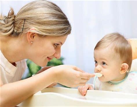 小孩发烧怎么退烧?发烧吃什么食物好?