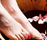 艾叶泡脚能治风湿吗 你了解艾叶泡脚吗