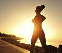 早上空腹跑步好吗?跑步时注意事项有哪些?