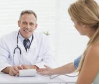乙肝的传播途径是什么,有哪些症状表现?