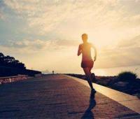 早上及晚上空腹跑步好吗?坚持三个月及一年对于脸部及身材的变化