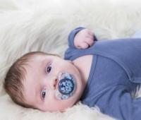 婴儿安抚奶嘴可以用吗?什么时候用?