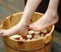 用醋泡脚有什么好处?用醋泡脚的正确方法是什么?
