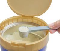 老年人喝奶粉好吗 喝奶粉的注意事项