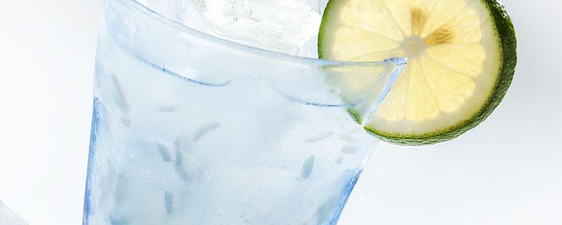 苏打水在脸上的作用和效果是什么?苏打水能补充面部水分吗