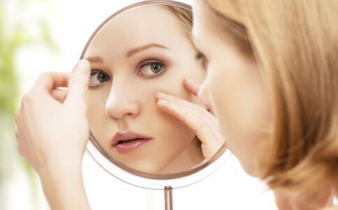 面部各个部位长痘痘的原因。