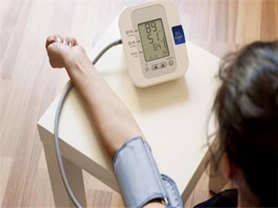如何调节女性低血压
