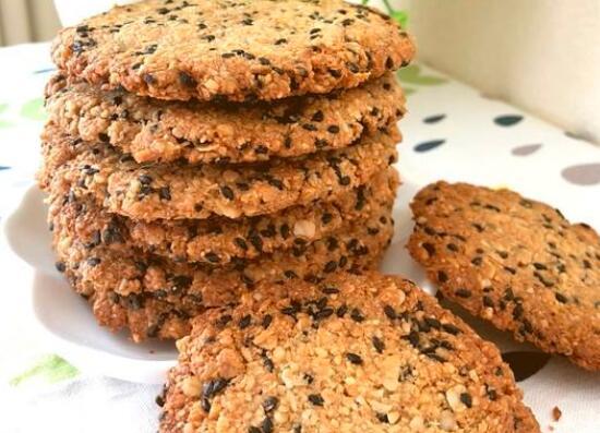 如何制作燕麦黑芝麻饼干