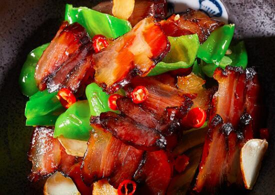 如何烹饪酱腌猪肉