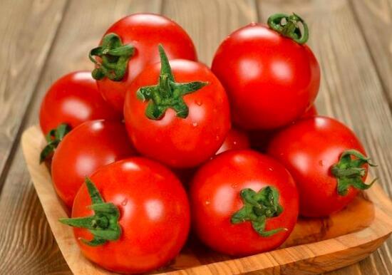 西红柿和猪肝可以一起油炸吗