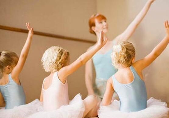 孩子们学习跳舞会影响他们的身高吗