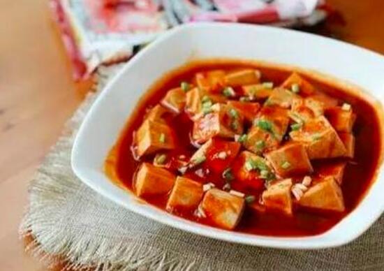 如何制作腌制大蒜和豆腐