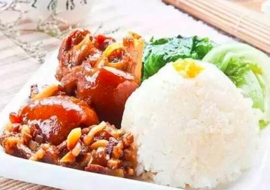 如何做美味的海南猪蹄饭