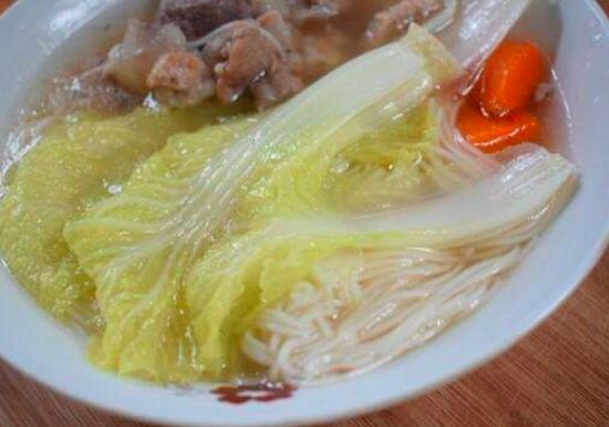 如何用小蔬菜做土豆面条